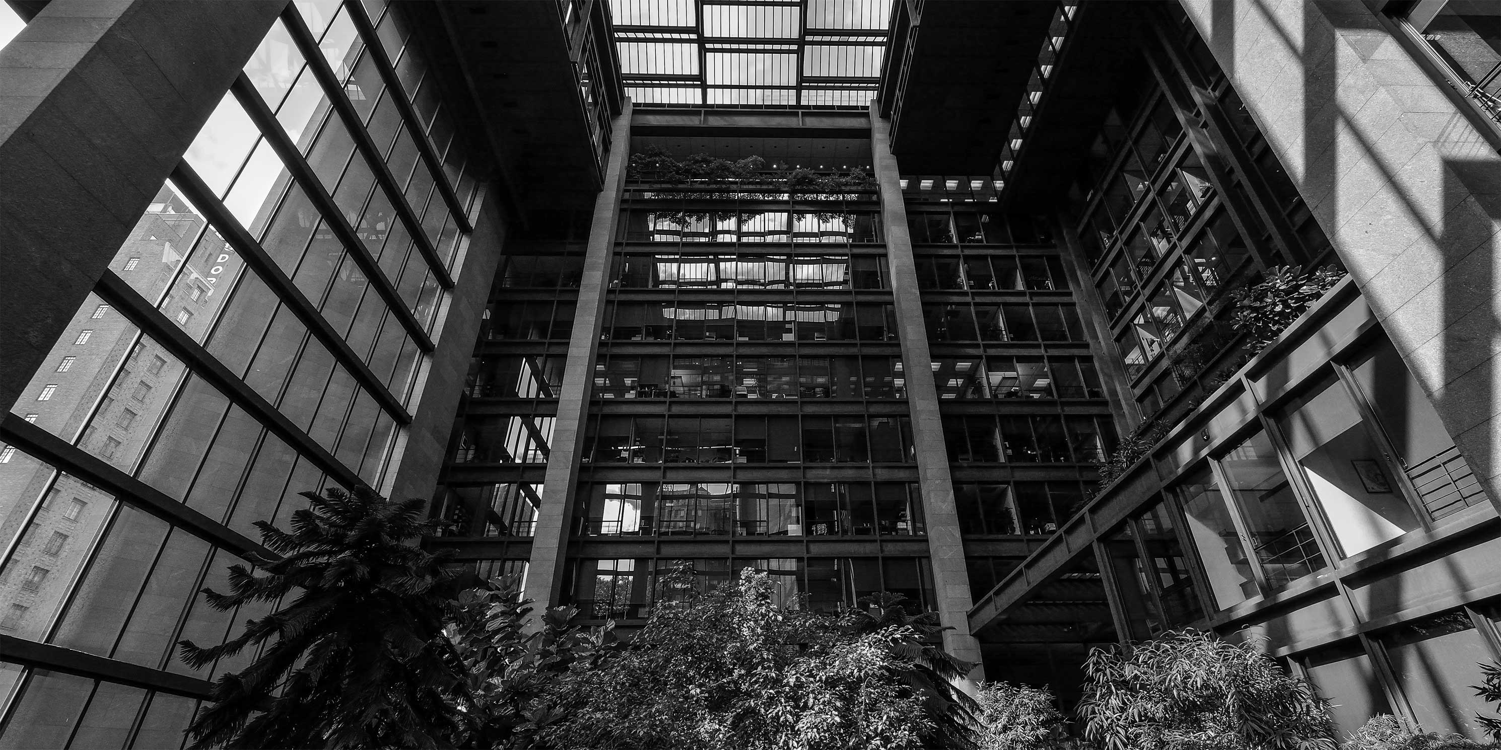 Atrium at the Ford Foundation Building. Photo: Wikimedia Commons, Kenlarry.