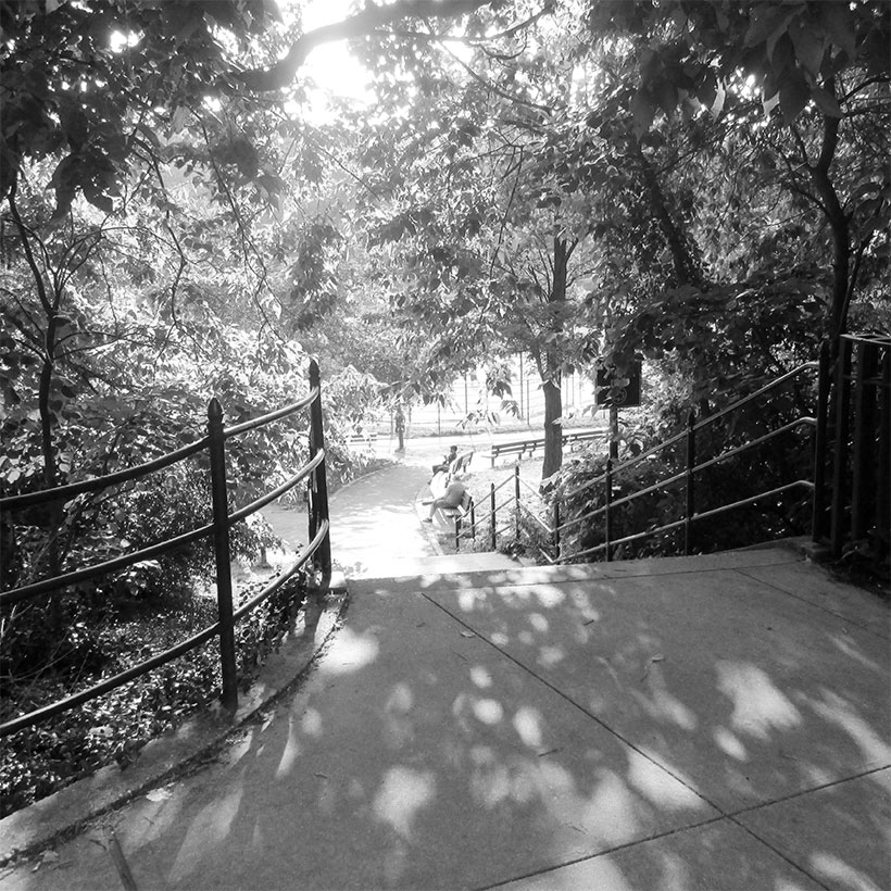 An entrance to Inwood Hill Park at West 214th Street and Seaman Avenue. Photo: Wikimedia Commons, Beyond My Ken.