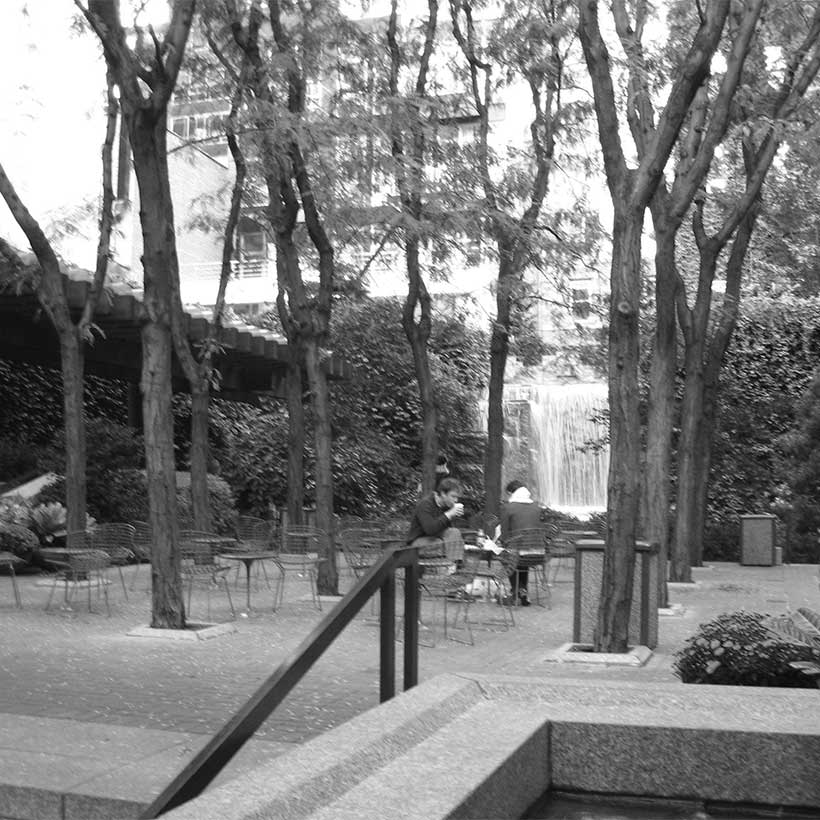 Greenacre Park on East 51st Street in Manhattan. Photo: Wikimedia Commons, Jim Henderson.