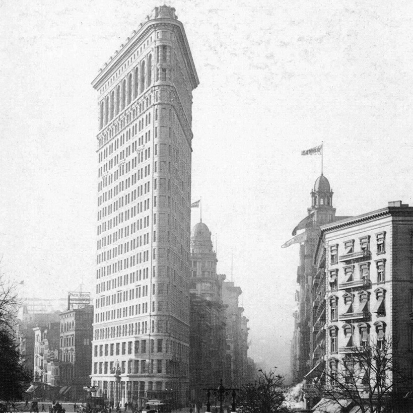 The Flatiron Building (Fuller Building) in Manhattan, circa 1903. Photo: Library of Congress, Prints and Photographs Division.
