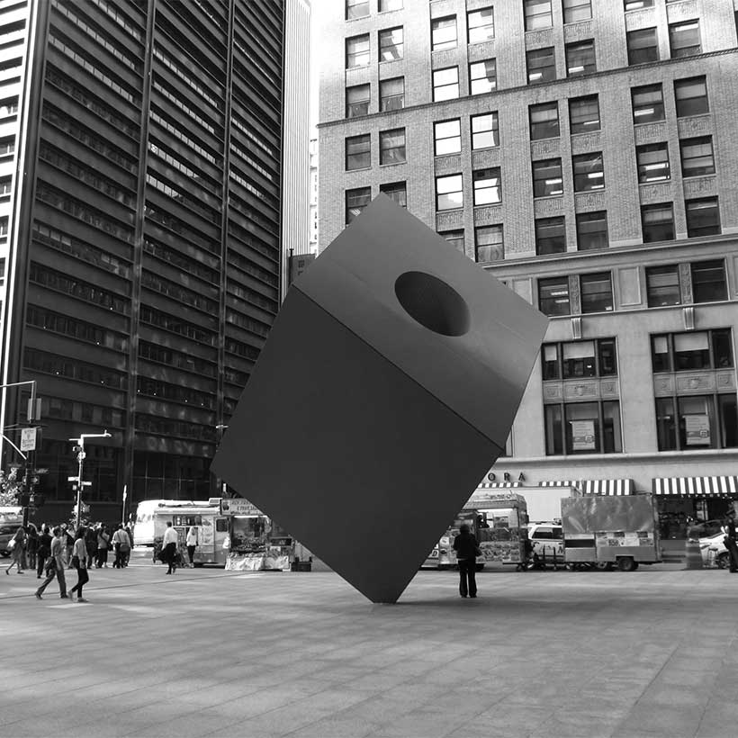 The Cube at the Marine Midland Building, 140 Broadway. Photo: Wikimedia Commons, Ken Lund.