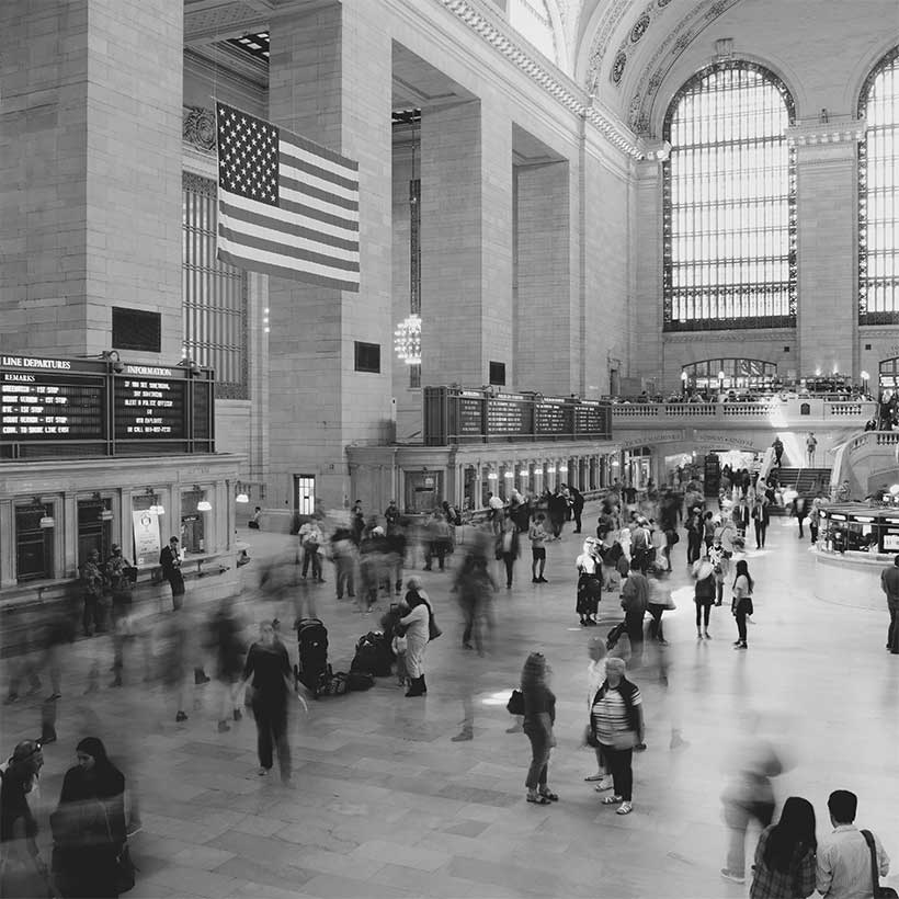 main floor in Grand Central Terminal busy with passengers