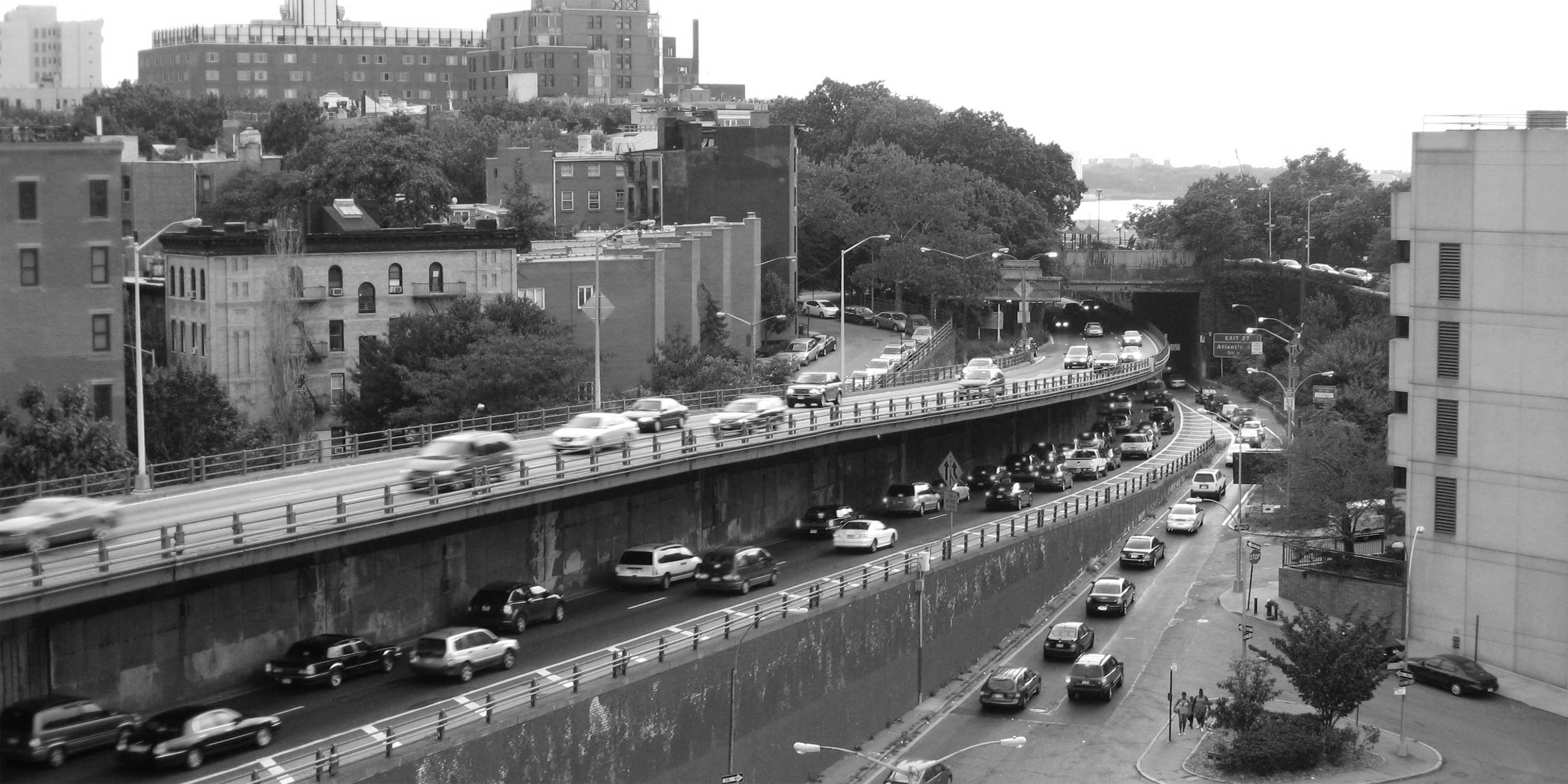 Brooklyn-Queens Expressway with traffic