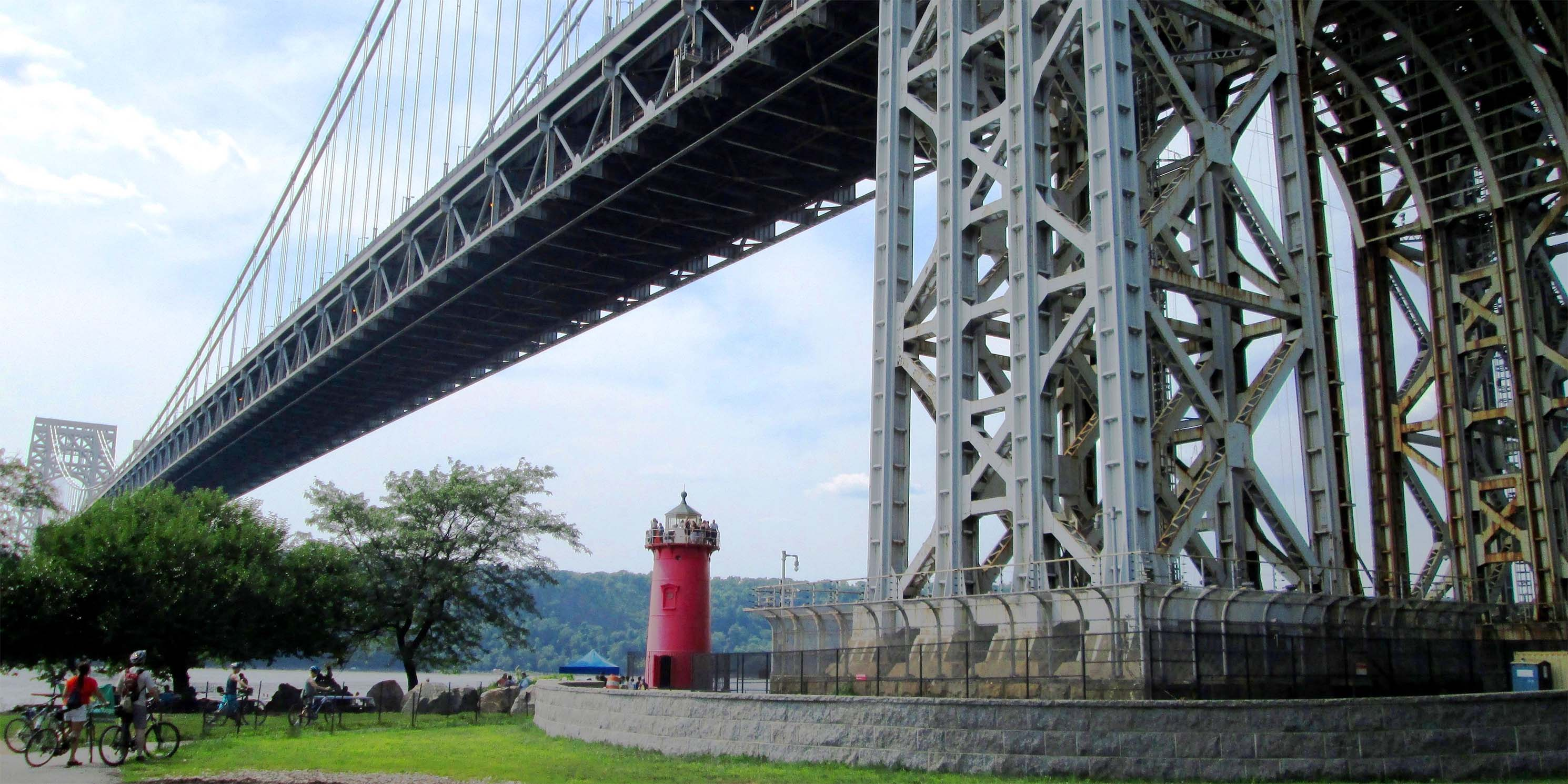 Little Red Lighthouse and the George Washington Bridge