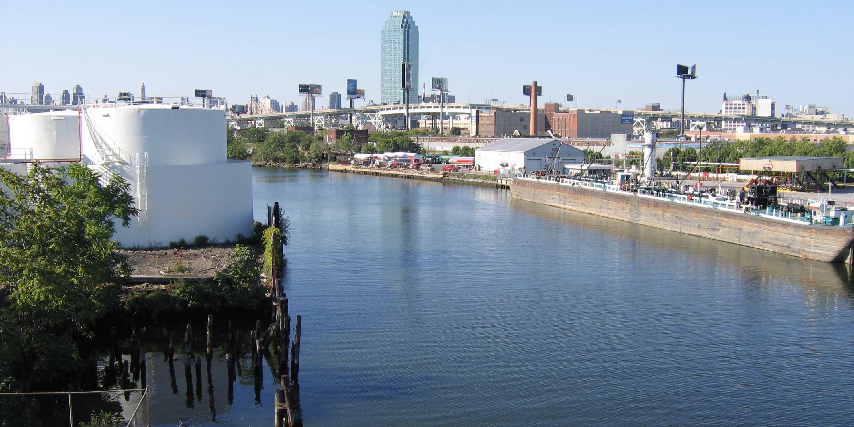 Newtown Creek as seen from the Greenpoint Avenue Bridge