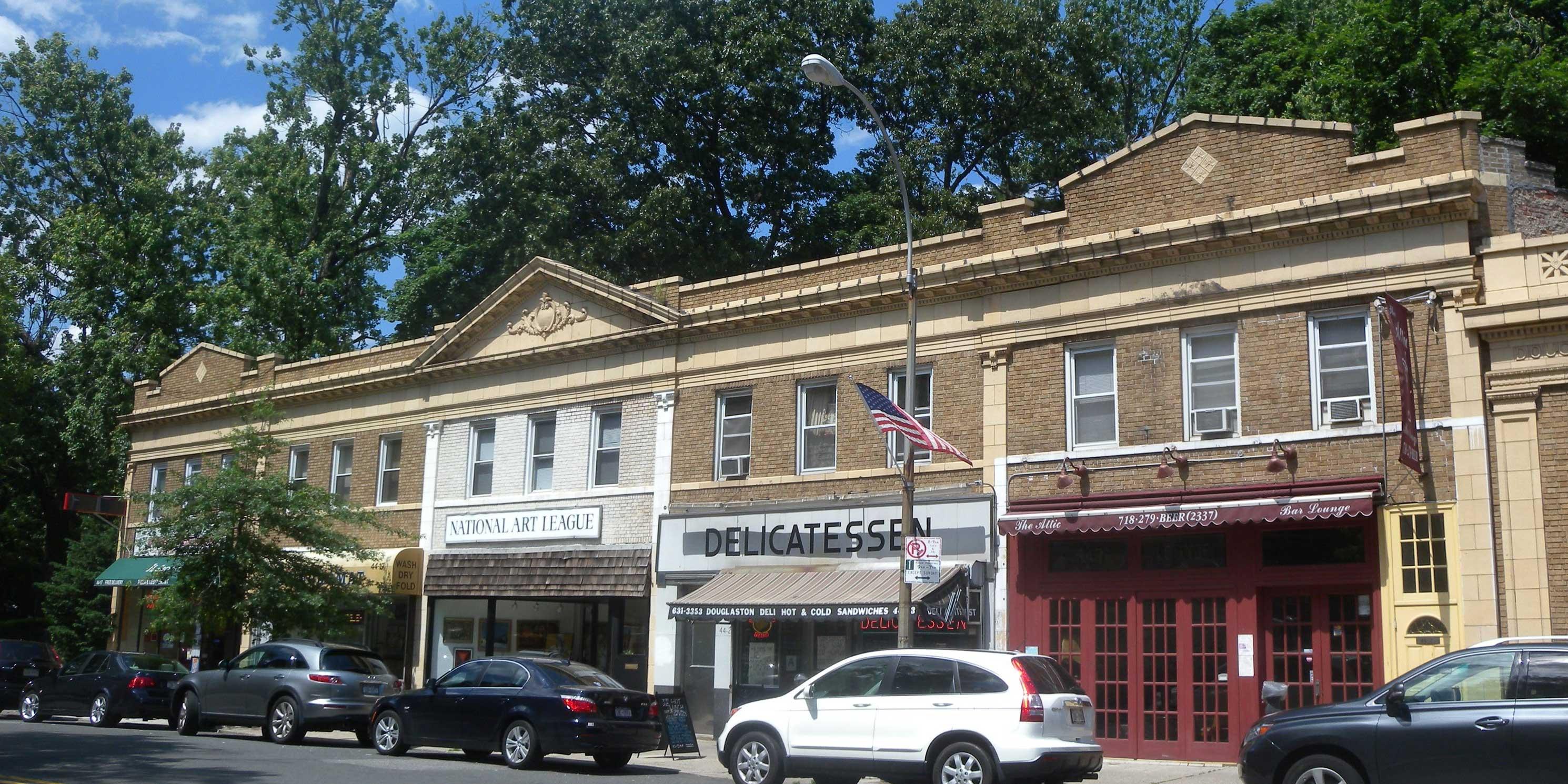 shops in Douglaston, Queens