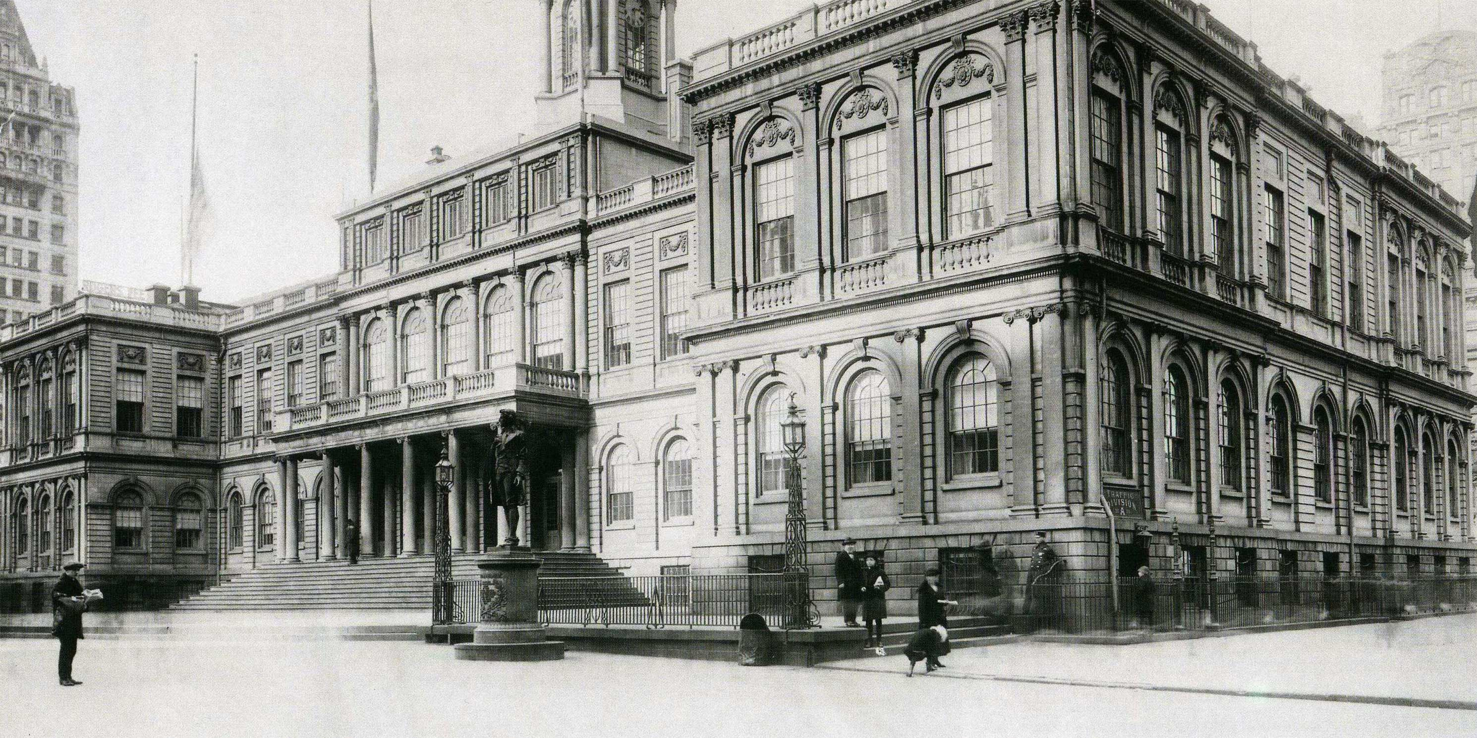 exterior of New York City Hall in 1919