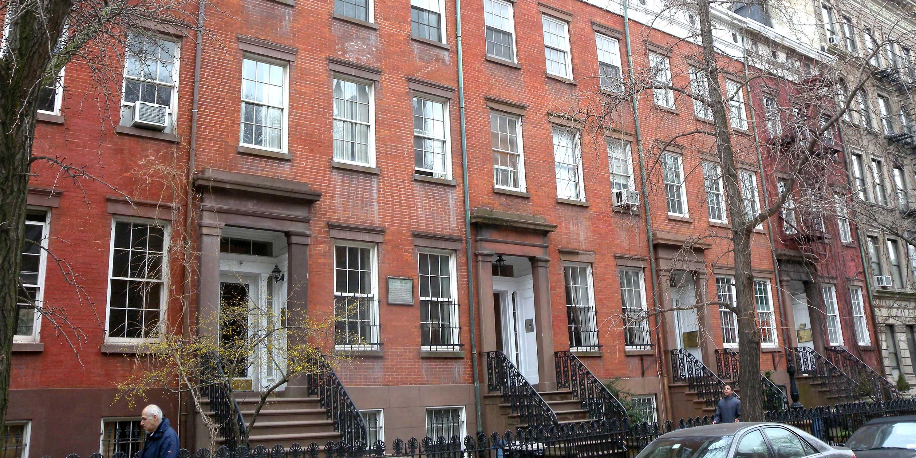 row houses on Cushman Row in Chelsea