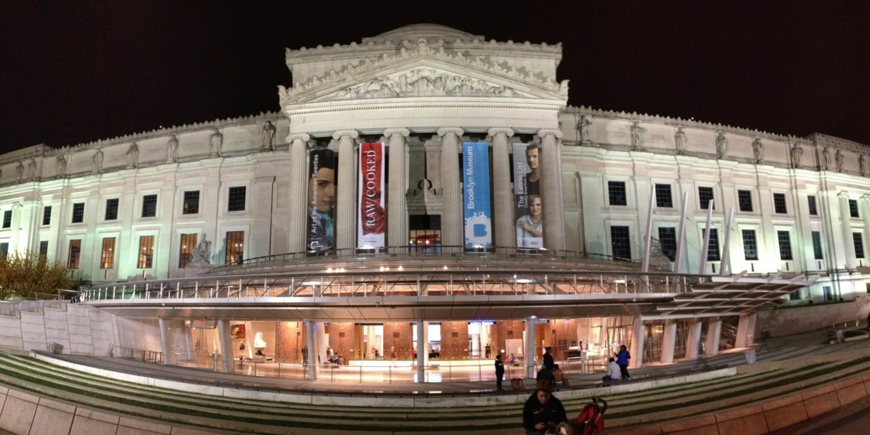 entrance to the Brooklyn Museum at night