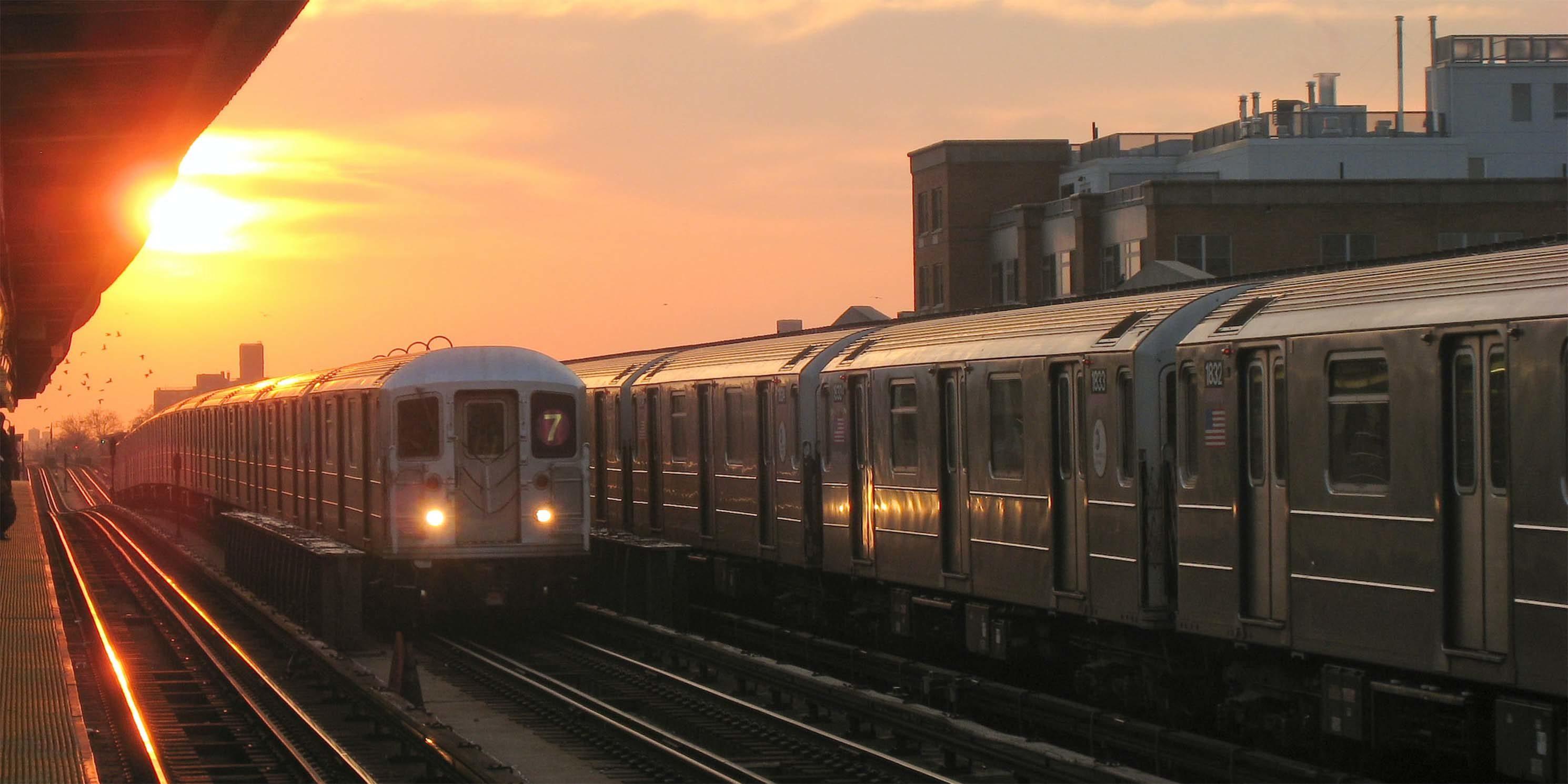 7 subway train in Sunnyside, Queens at sunrise