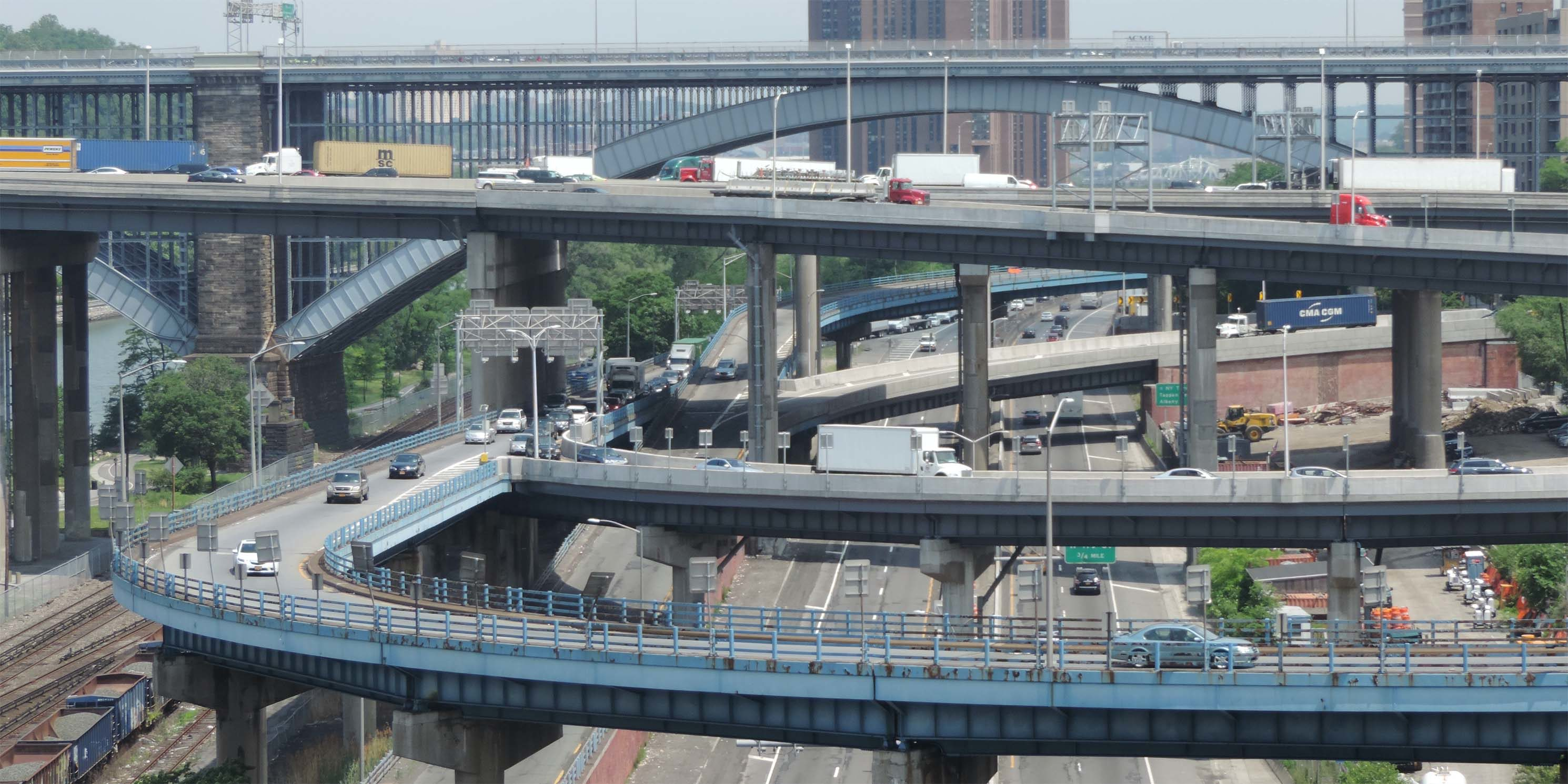 a tange of highways at an interchange of the Major Deegan and Cross Bronx Expressways in the Bronx