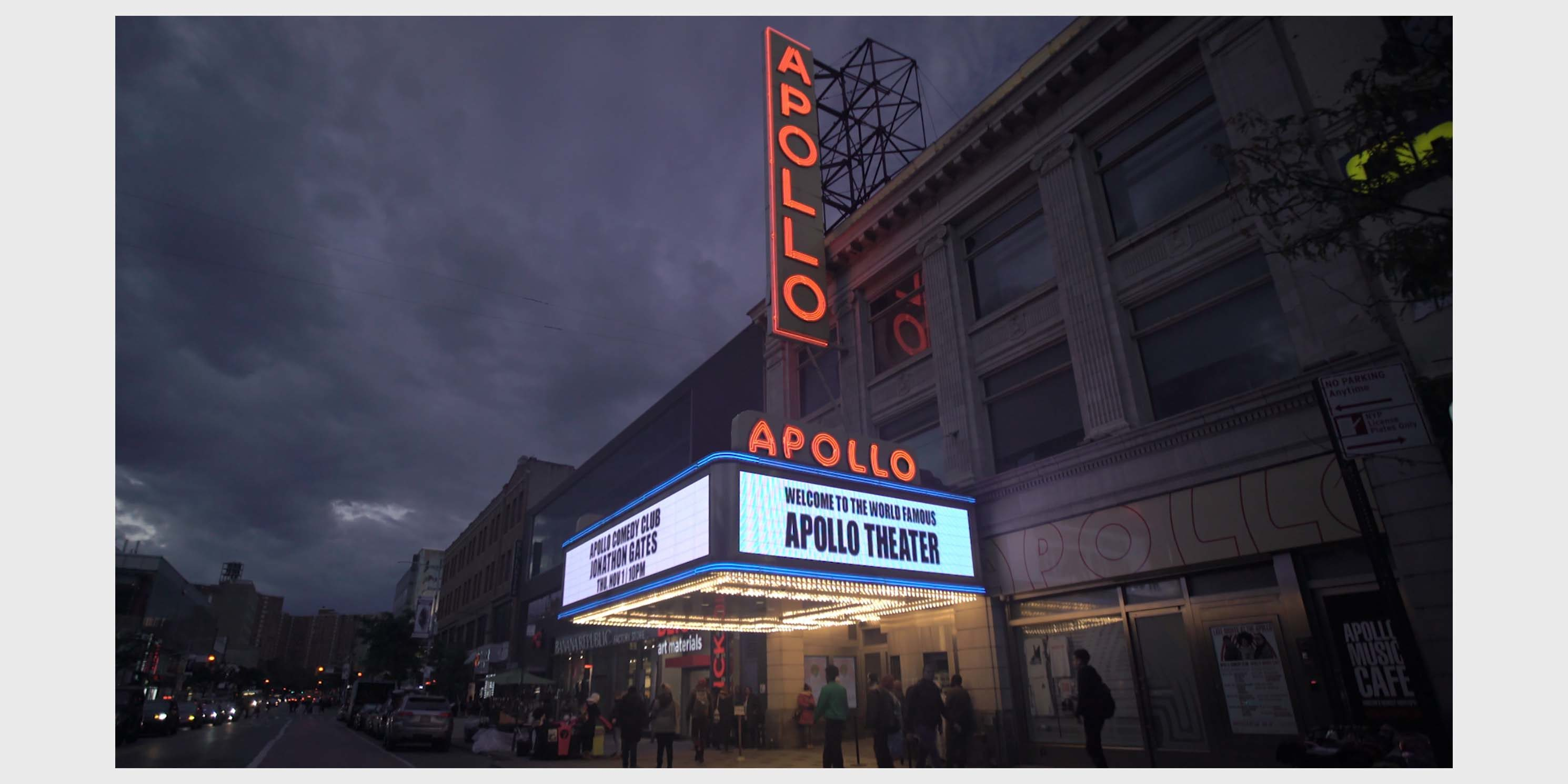 exterior of the Apollo Theater at night