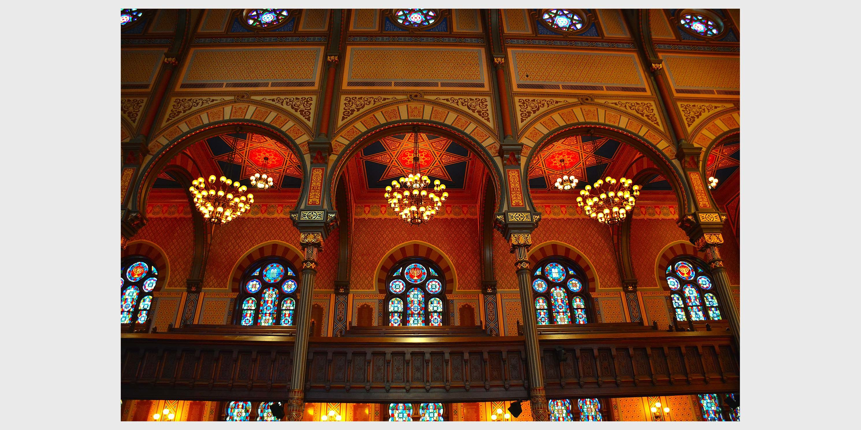 stain glass windows inside the Central Synagogue in Manhattan